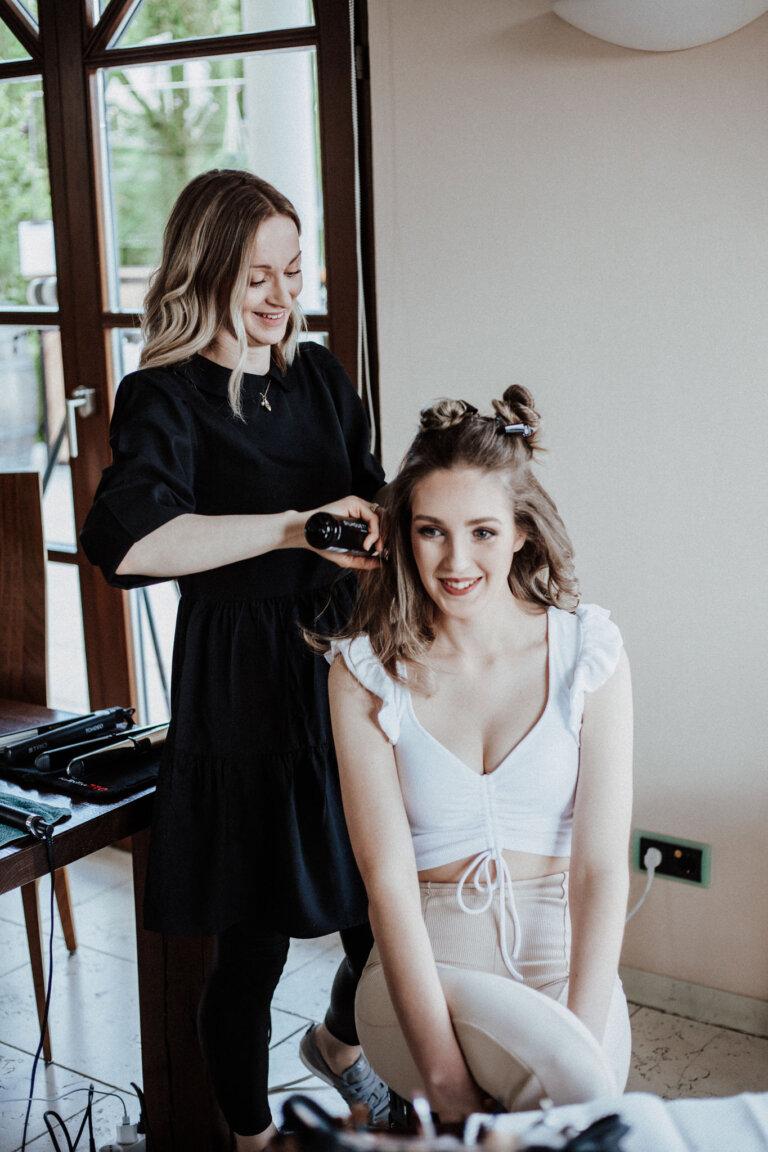 Hochzeitsdienstleister Irina Rudi bei der Arbeit